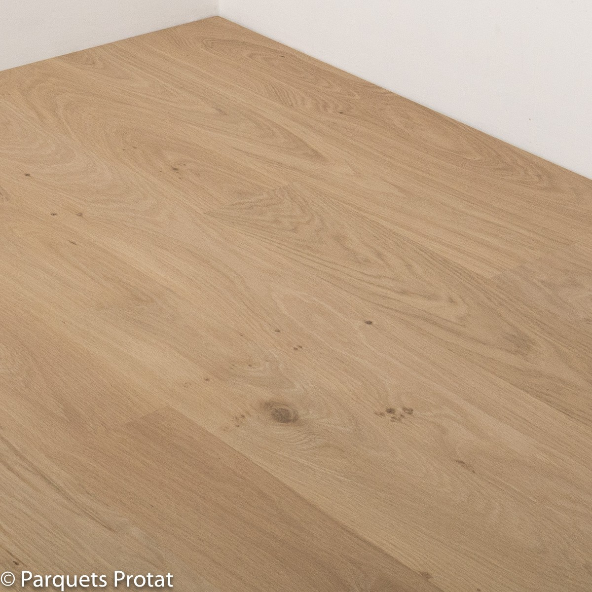 Parquet chene massif 20 mm villa for Parquet chene massif a clouer