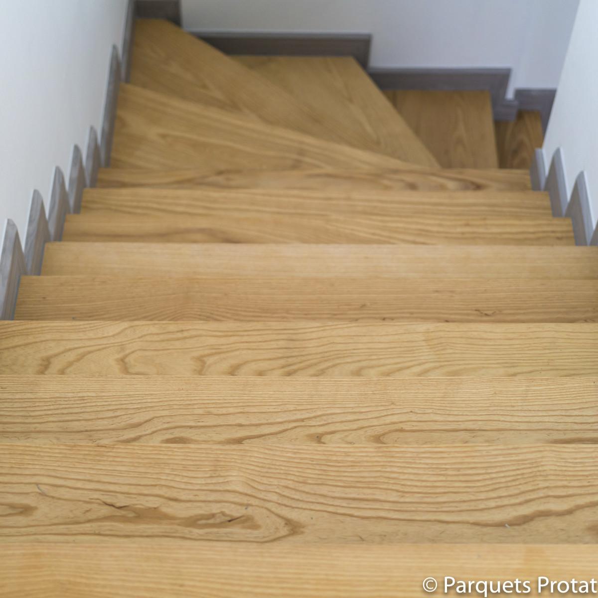 Vernis Pour Marche Escalier panneau frêne blanc massif sur-mesure
