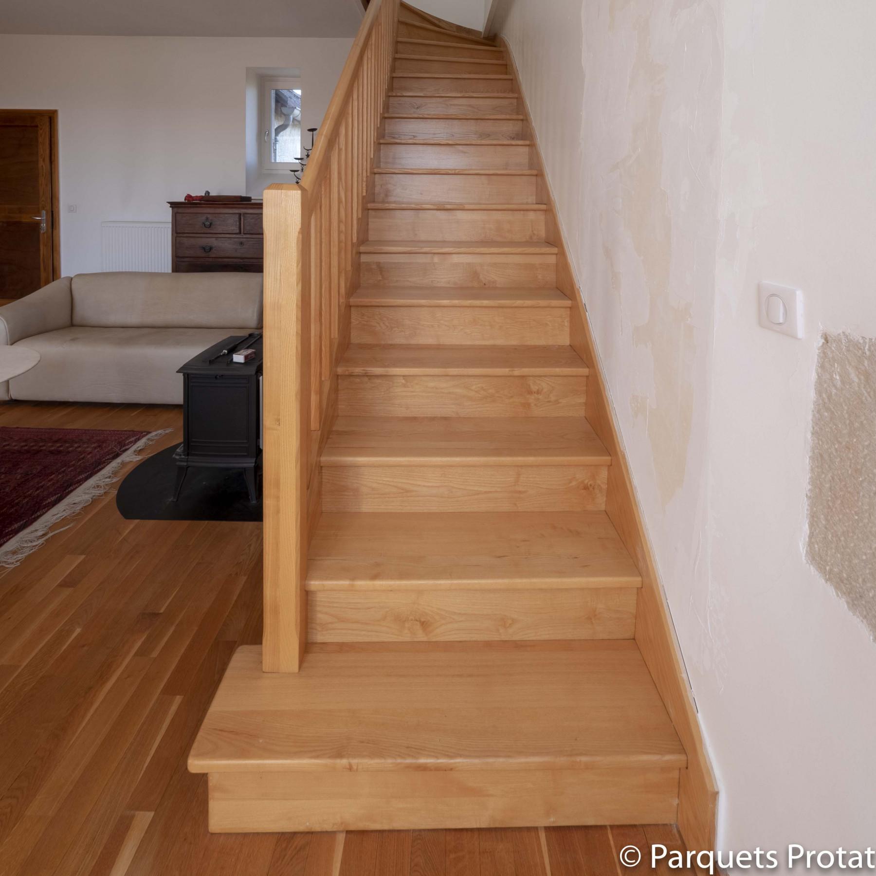 Ajouter Des Contre Marche Escalier panneau frêne blanc massif sur-mesure