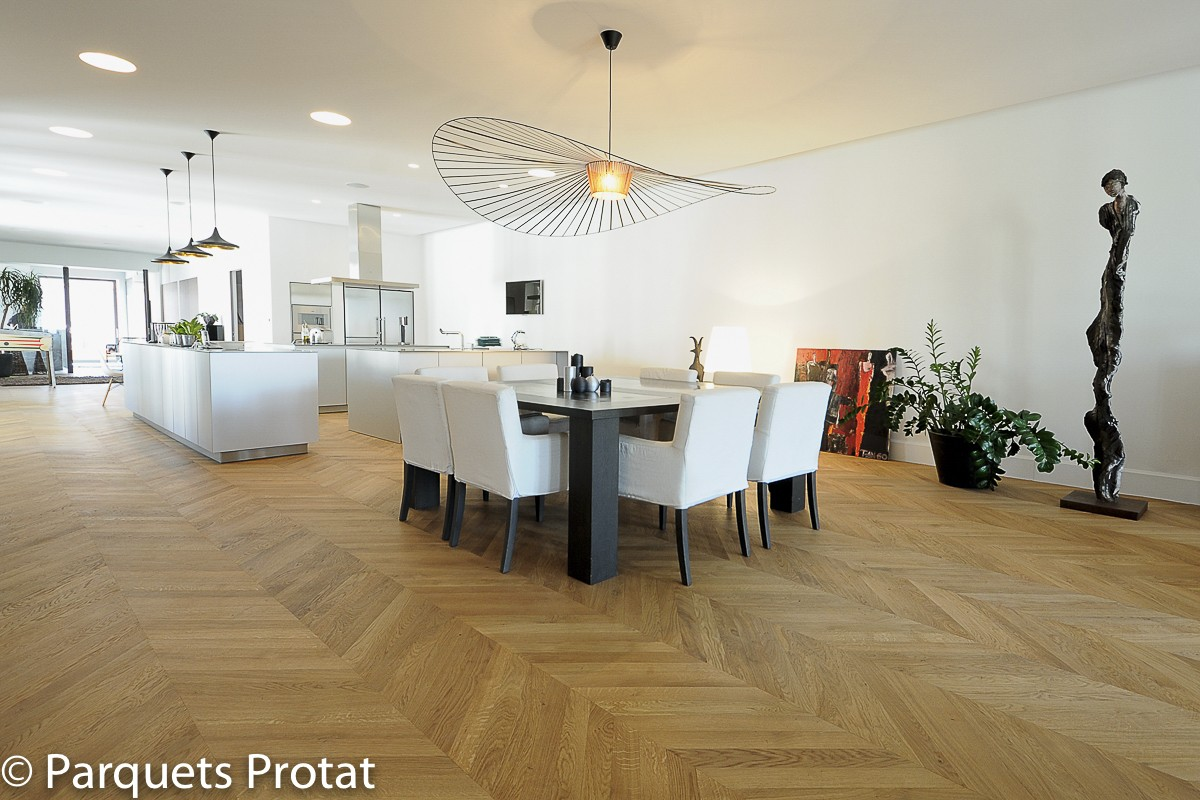 parquet chene massif 23 mm rustique point de hongrie largeur 110 mm. Black Bedroom Furniture Sets. Home Design Ideas
