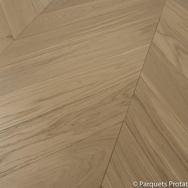 parquet ch ne semi massif verni cashmere point de hongrie. Black Bedroom Furniture Sets. Home Design Ideas