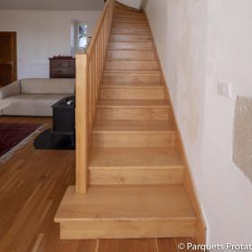 Panneau Frêne blanc massif pour marches et contre-marches escalier