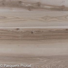 Panneau frêne-olivier massif pour plans de travail et panneaux de meubles