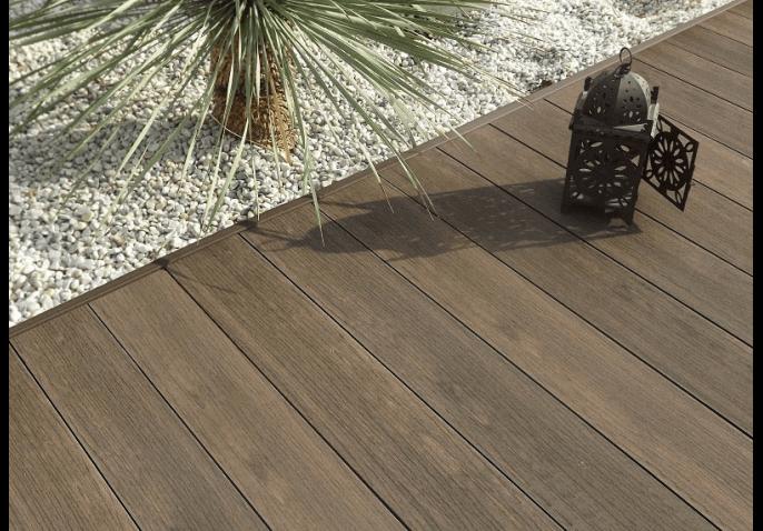 Comment nettoyer sa terrasse composite ?